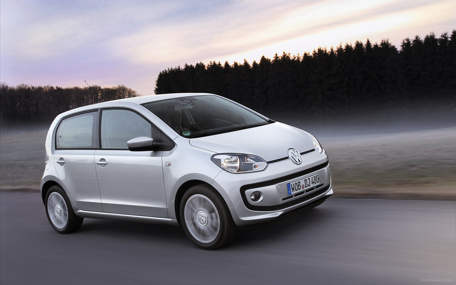 Volkswagen Up #10
