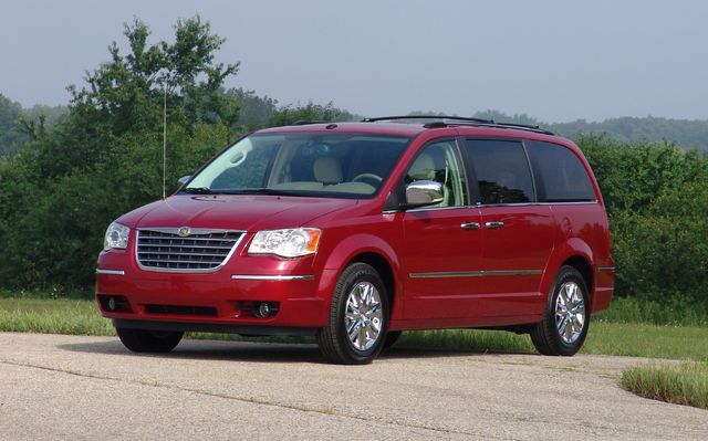 2009 Chrysler Town And Country #4