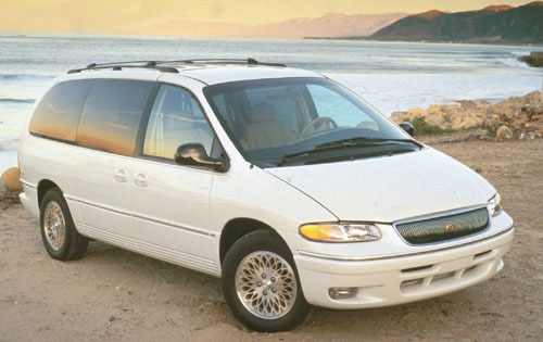 1996 Chrysler Town And Country #1