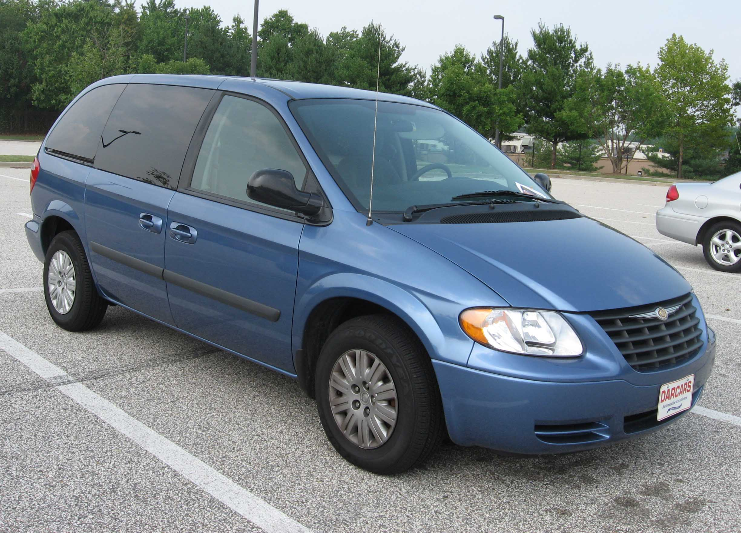 2001 Chrysler Town And Country #4