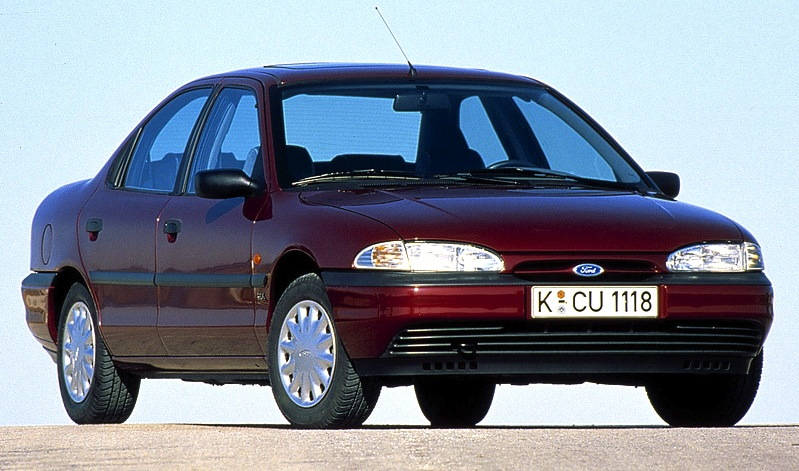 1994 Ford Royale #16