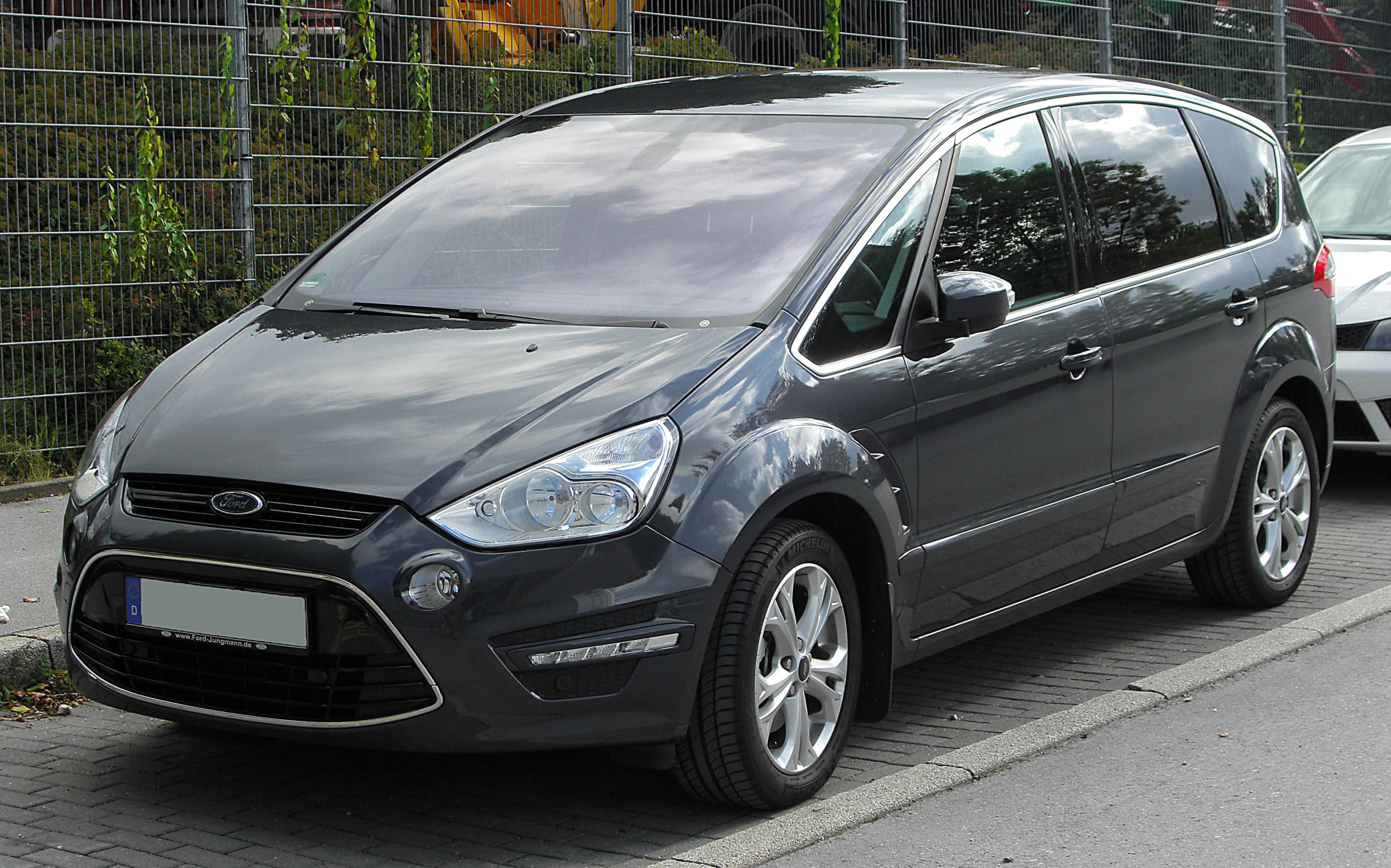 2010 Ford S-Max #3