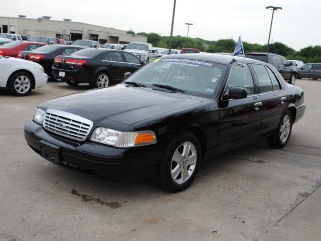 2011 Ford Crown Victoria #10