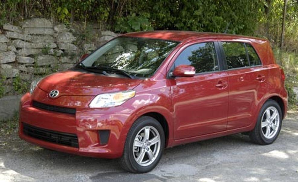 2008 Scion Xd #5