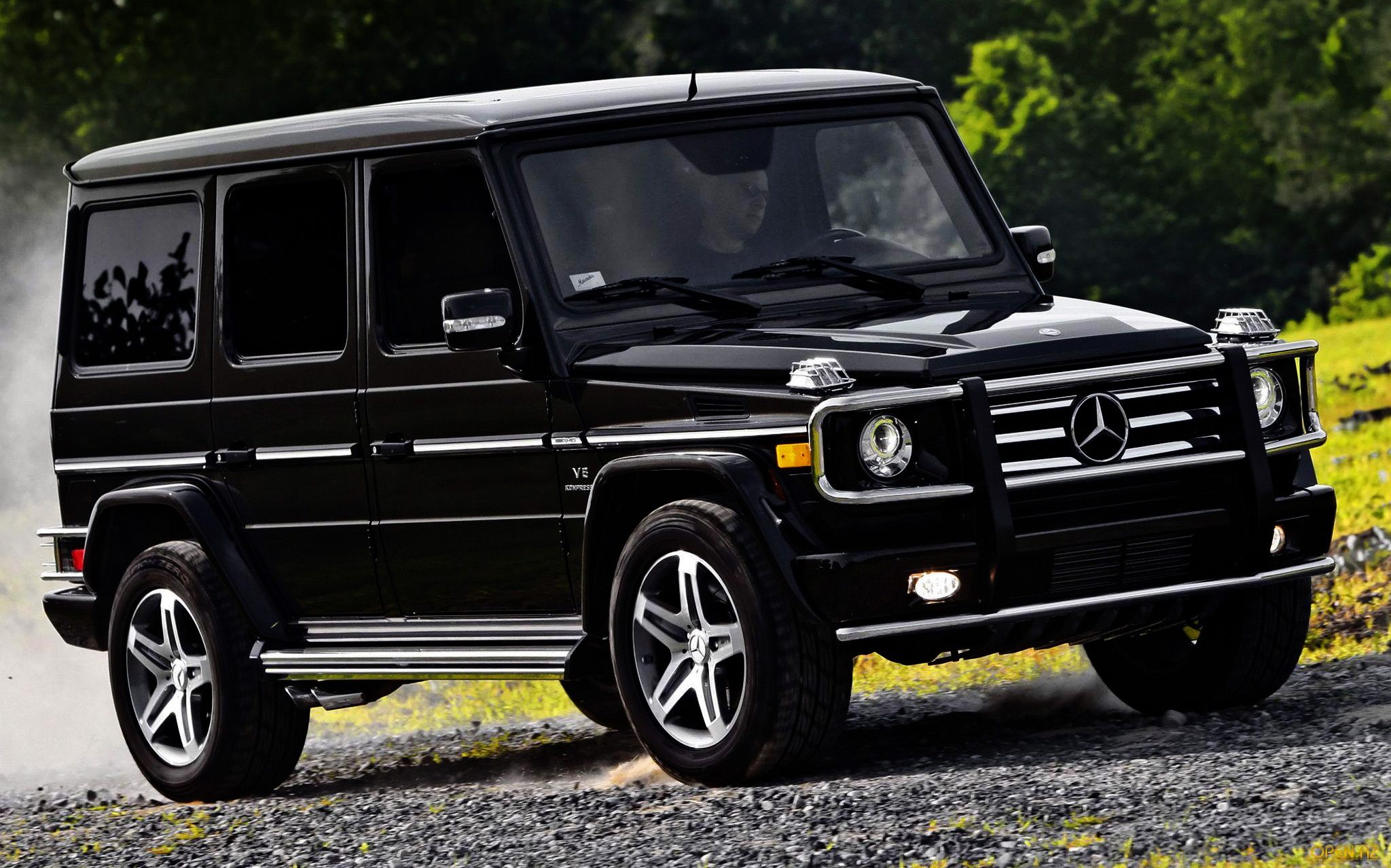 Mercedes benz g class photos informations articles for Mercedes benz g class pictures