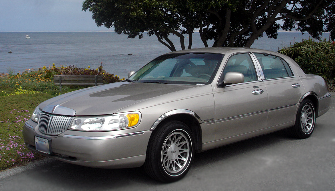 1998 Lincoln Town Car Photos Informations Articles Bestcarmag Com