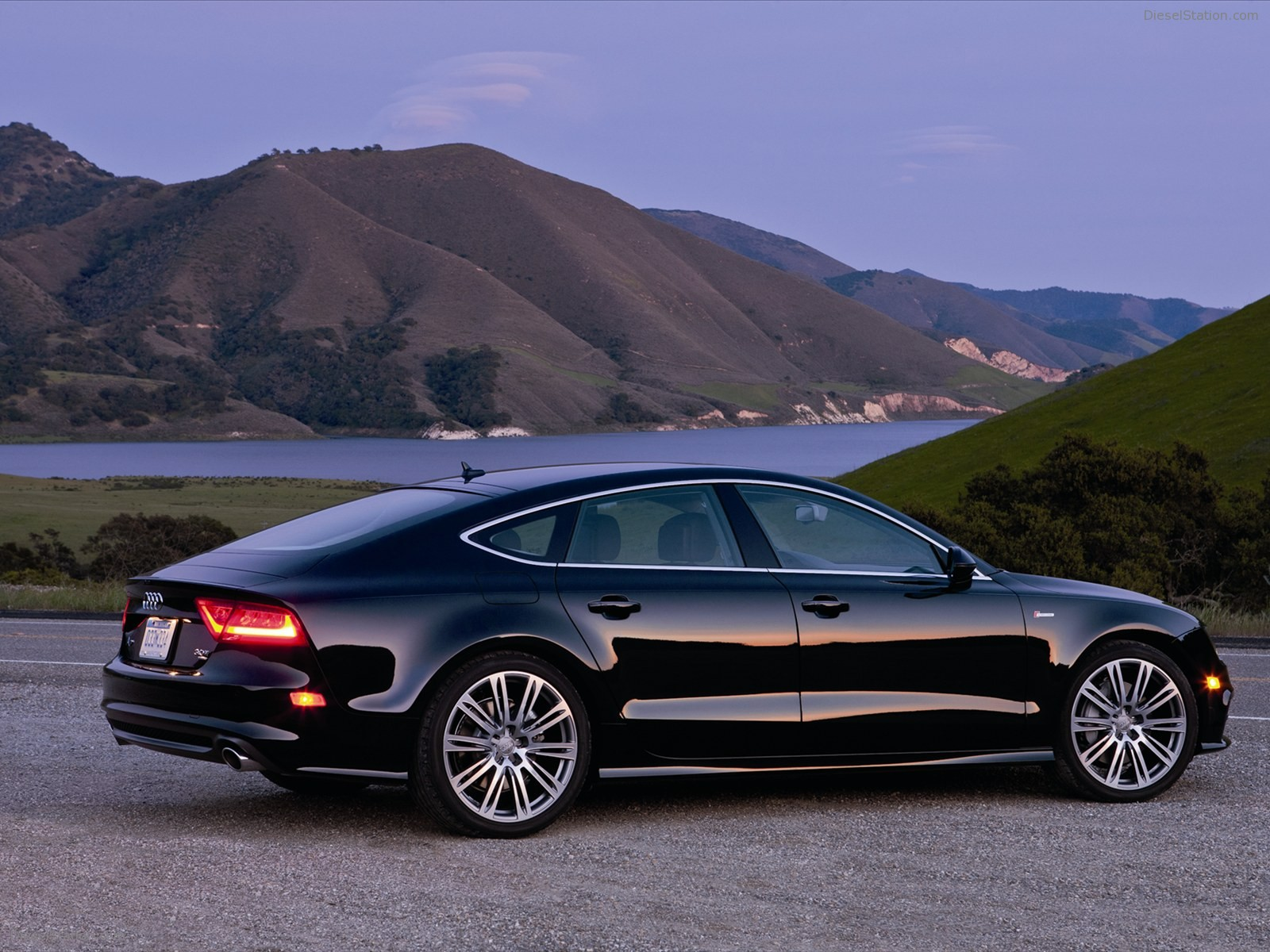 2012 audi a7 photos informations articles. Black Bedroom Furniture Sets. Home Design Ideas