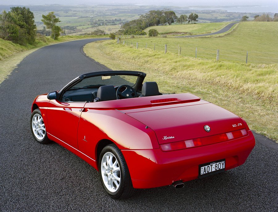 2001 alfa romeo spider photos, informations, articles - bestcarmag