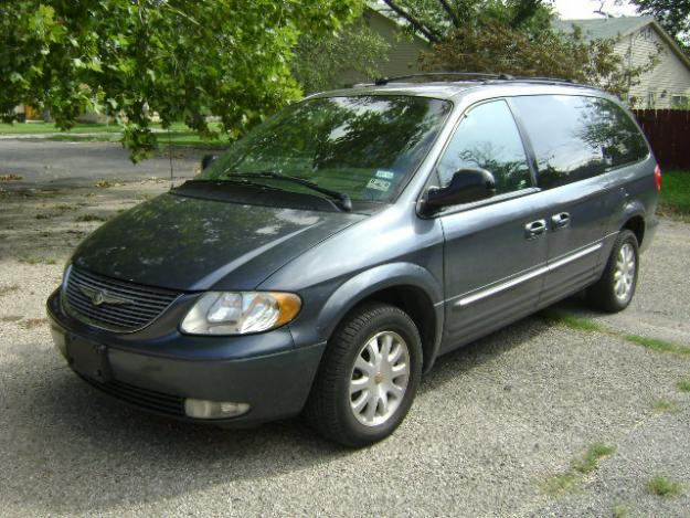 2002 Chrysler Town And Country #10