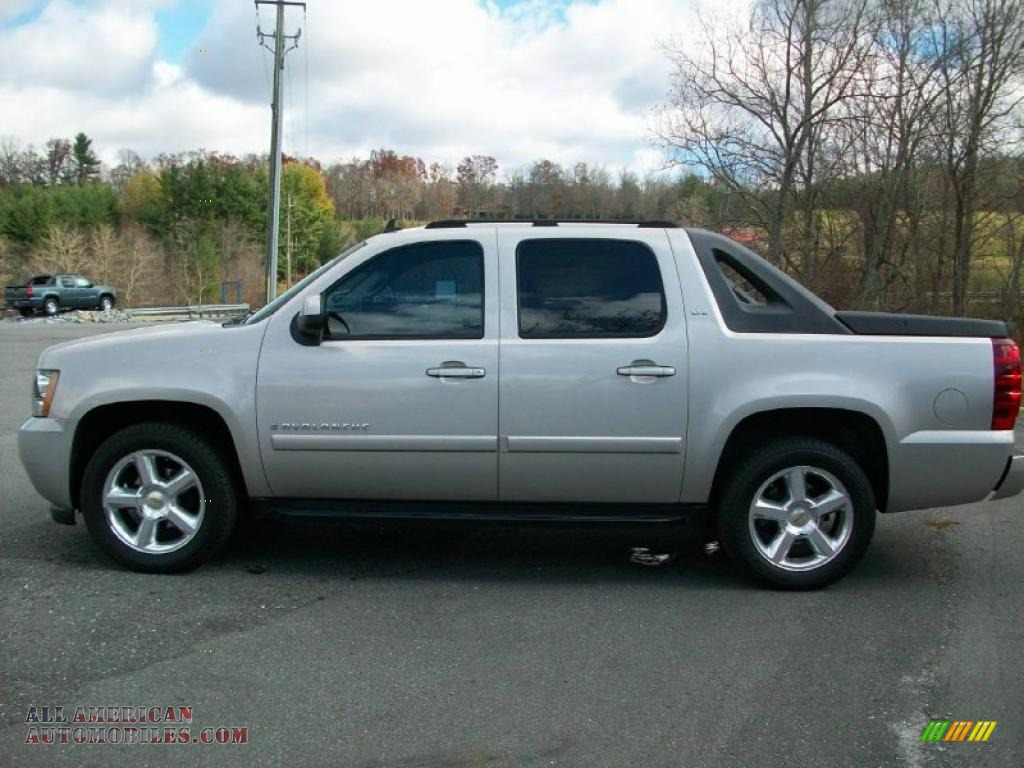 2007 chevrolet avalanche photos informations articles. Black Bedroom Furniture Sets. Home Design Ideas