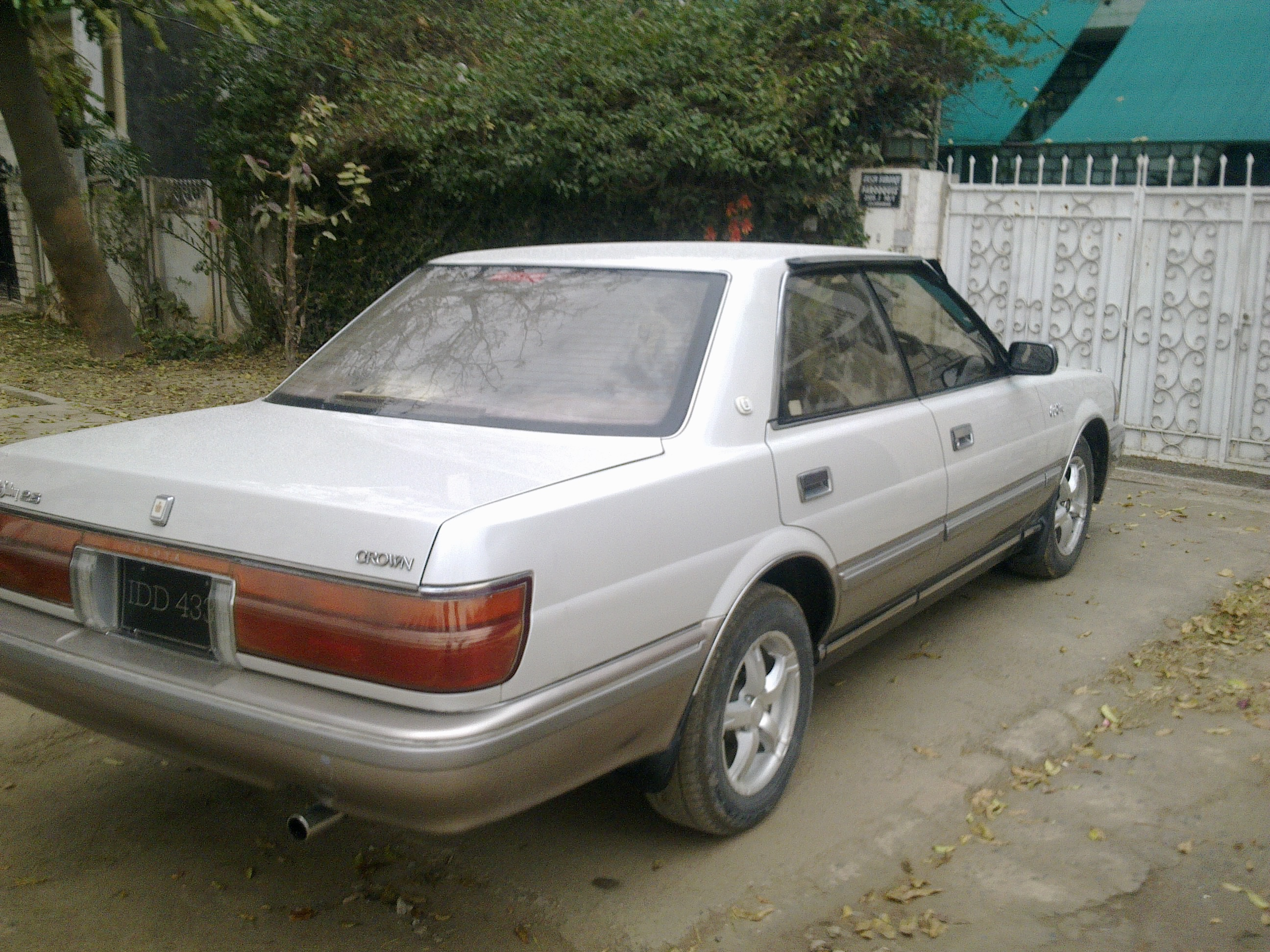 1985 Toyota Crown #9