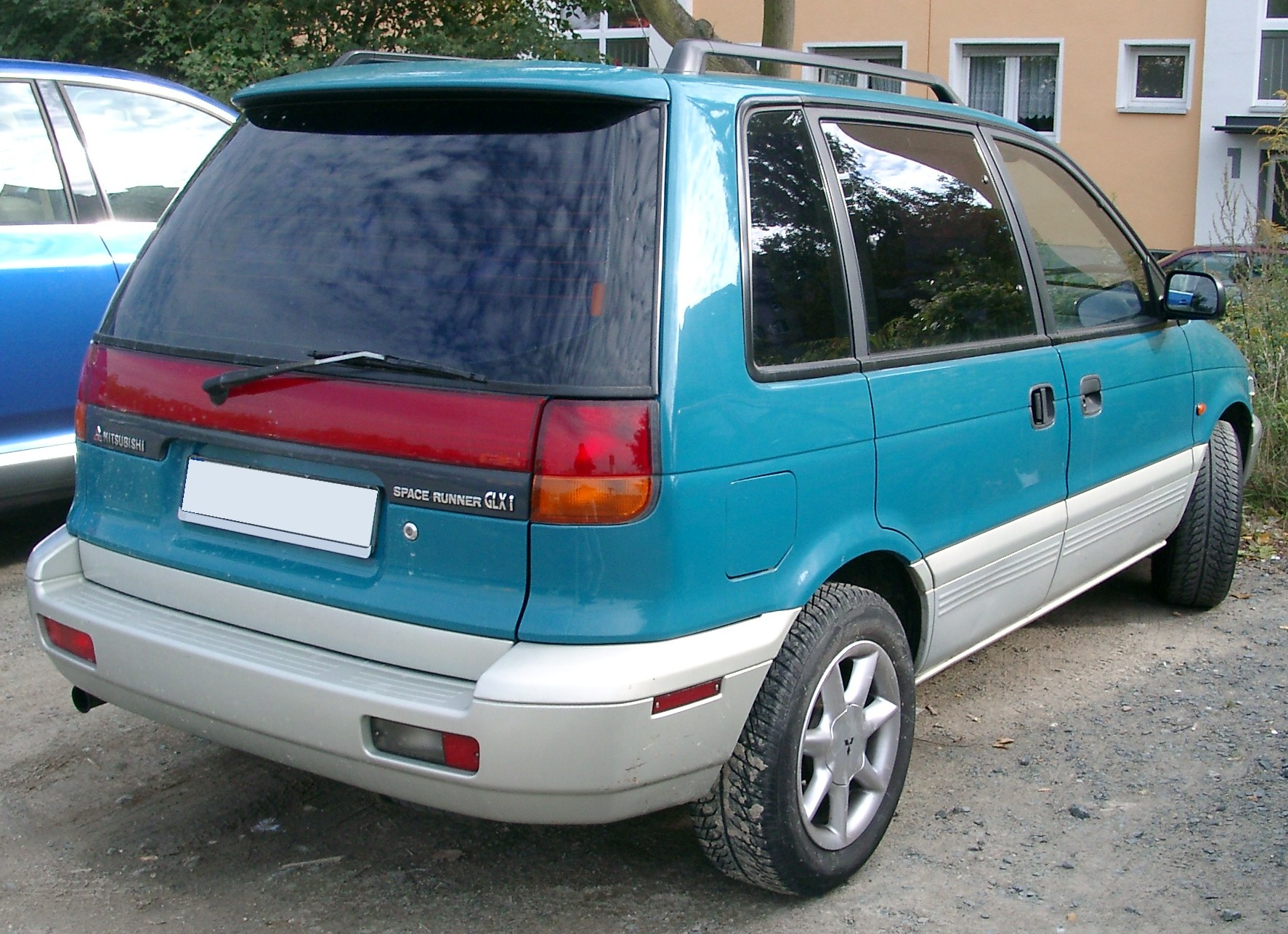 1992 Mitsubishi Space Runner #10