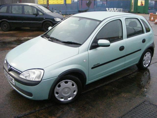 2002 vauxhall corsa photos informations articles. Black Bedroom Furniture Sets. Home Design Ideas