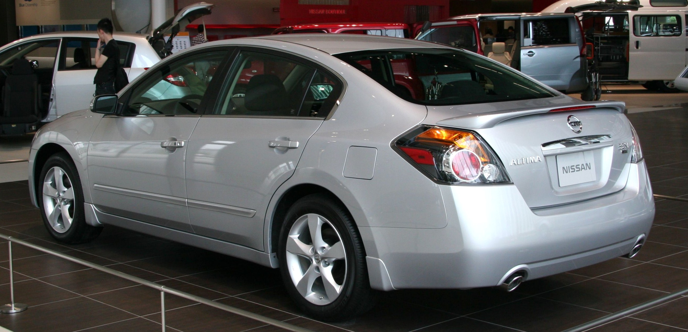 2009 nissan altima photos informations articles. Black Bedroom Furniture Sets. Home Design Ideas