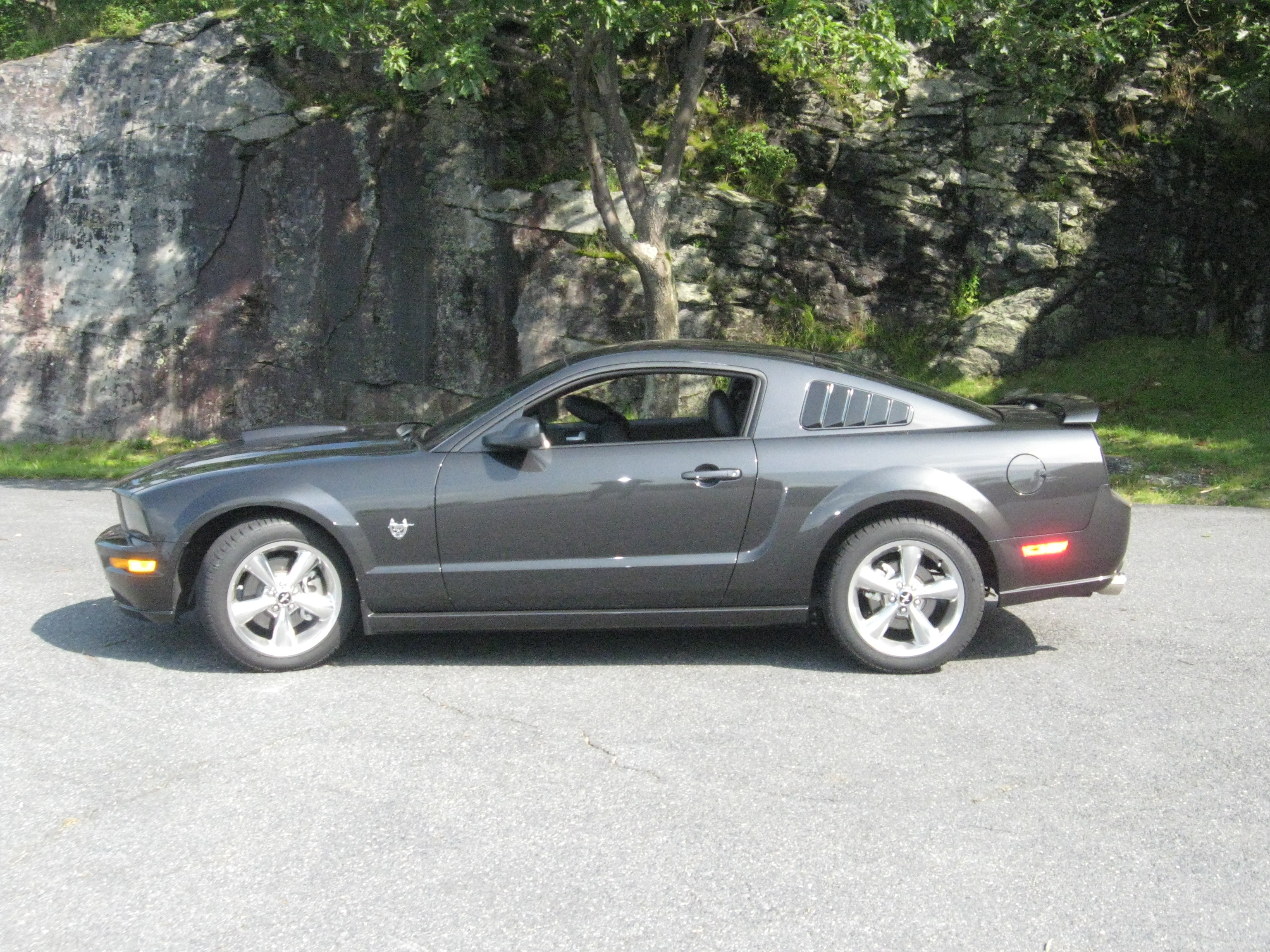 2009 Ford Mustang #3