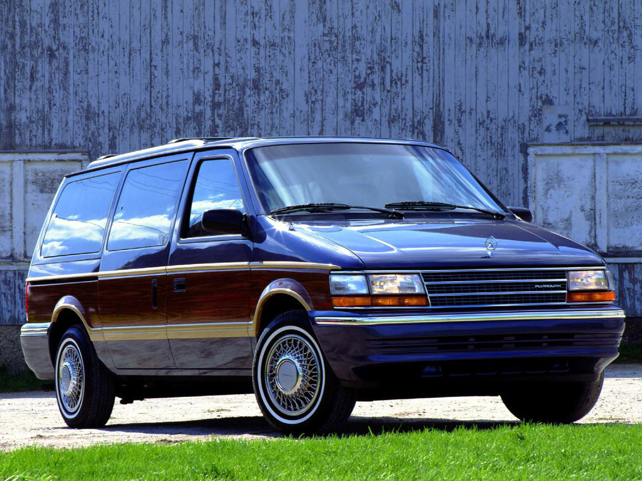 1994 Plymouth Grand Voyager #9