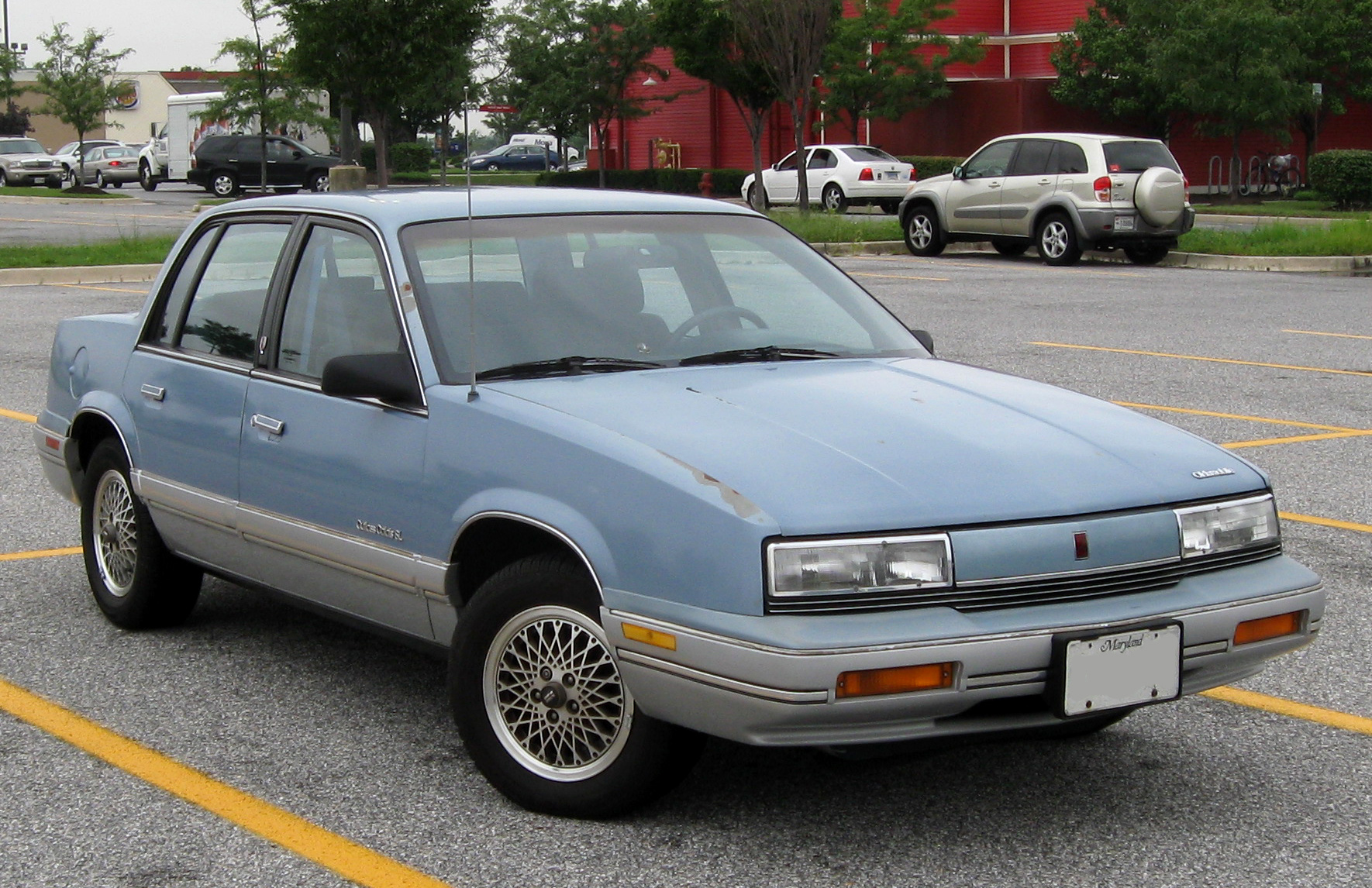 Oldsmobile Cutlass Calais #1