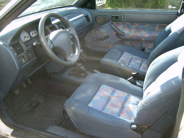 1994 Ford Orion #12
