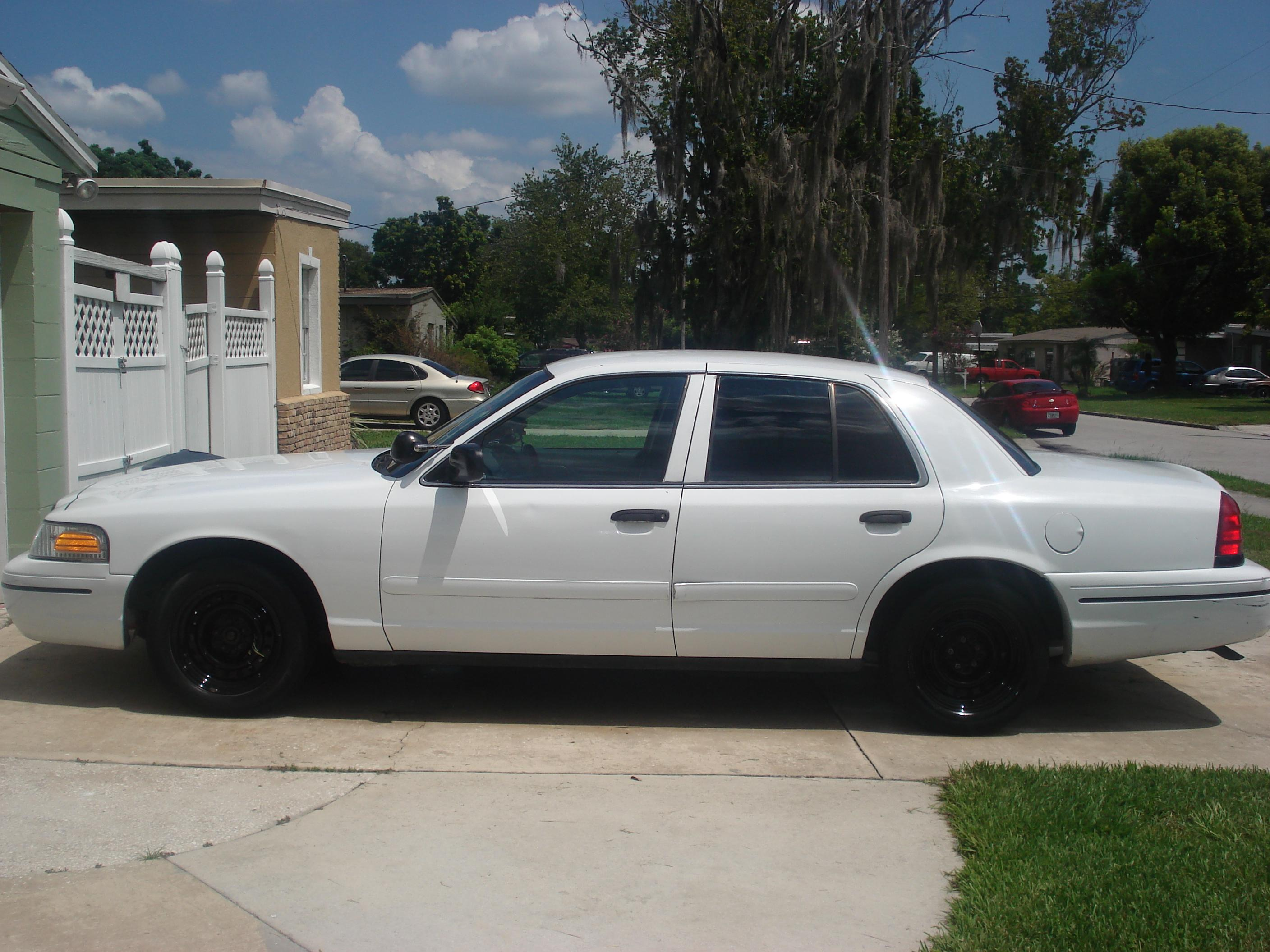 2005 Ford Crown Victoria #15