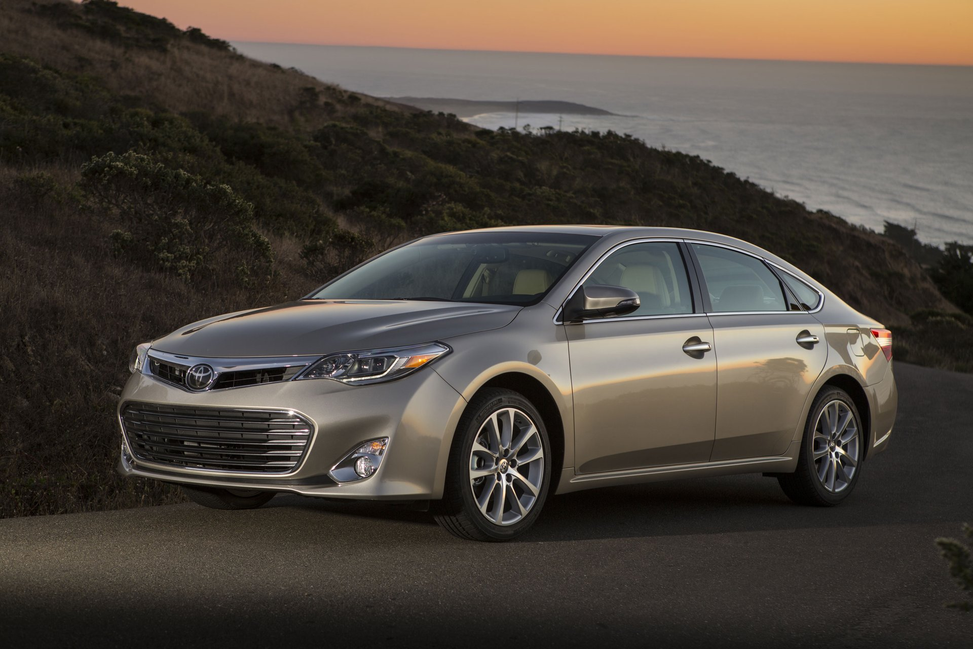 information gallery photo amazing toyota hybrid some avalon