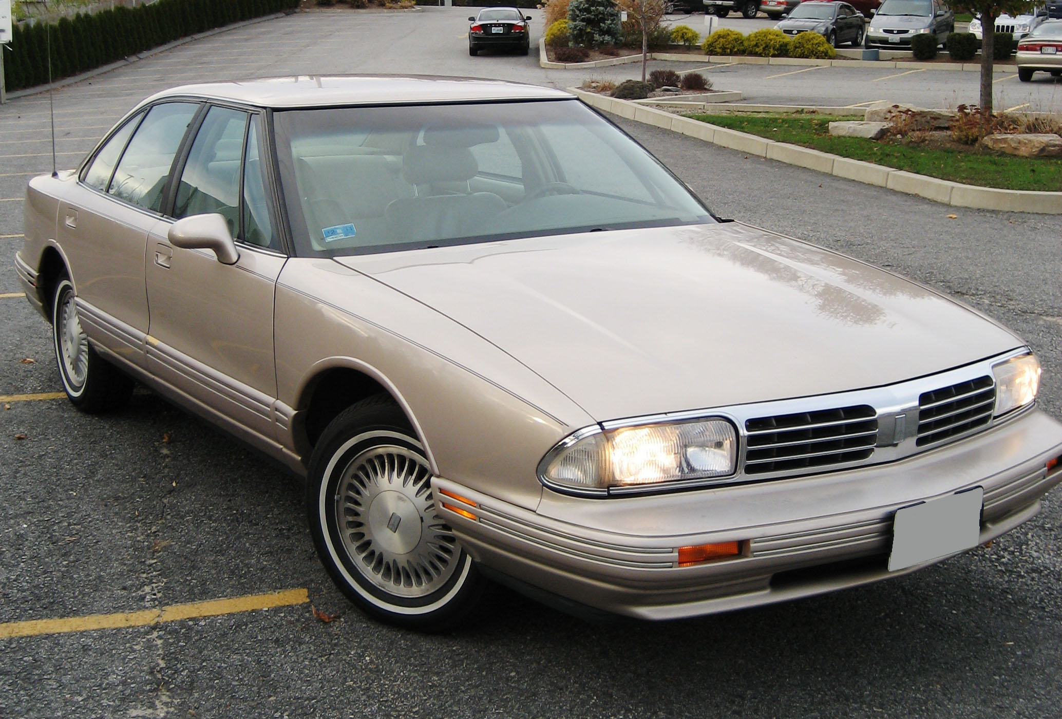 1998 Oldsmobile Regency #3