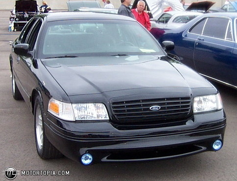 2002 Ford Crown Victoria #18