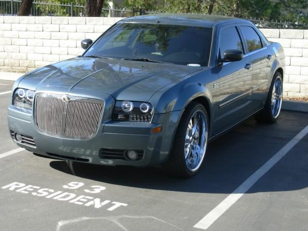 2005 Chrysler 300 #9