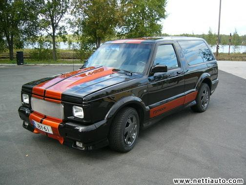 1992 GMC Typhoon #11