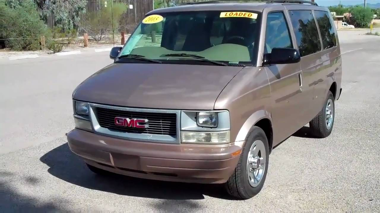 2005 GMC Safari #4