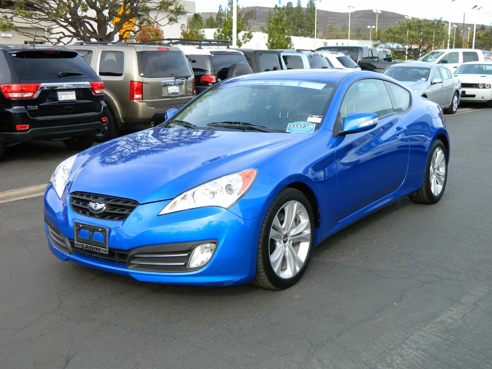2011 hyundai genesis coupe photos informations articles. Black Bedroom Furniture Sets. Home Design Ideas