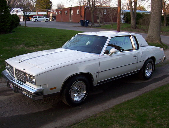 Oldsmobile Cutlass Calais #16