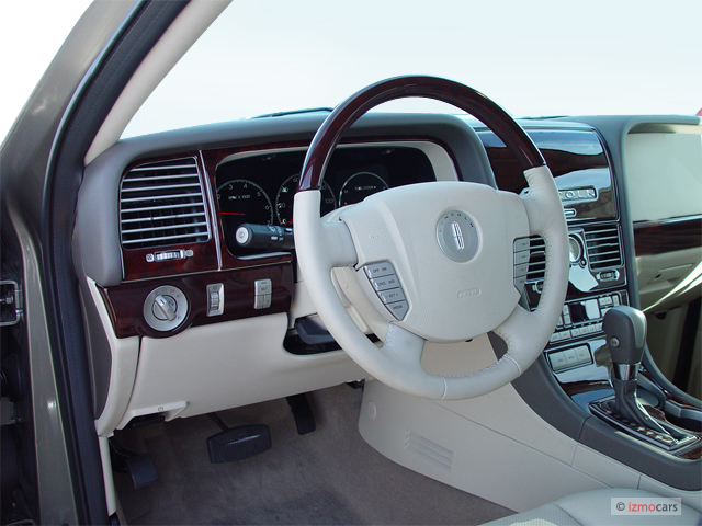 2004 Lincoln Aviator #11