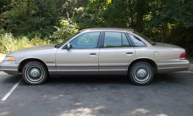 1995 Ford Crown Victoria #4