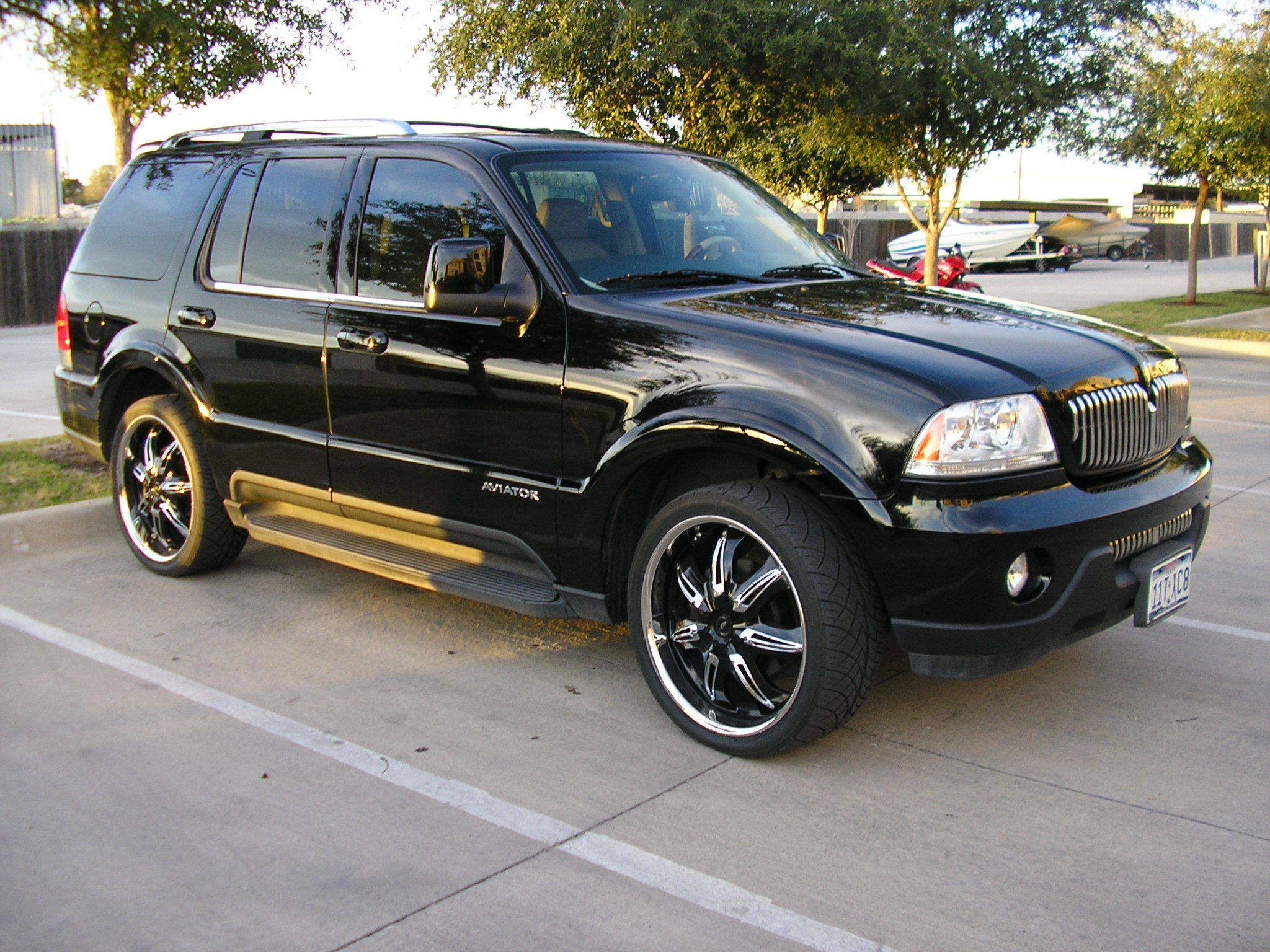 2005 lincoln aviator photos informations articles. Black Bedroom Furniture Sets. Home Design Ideas
