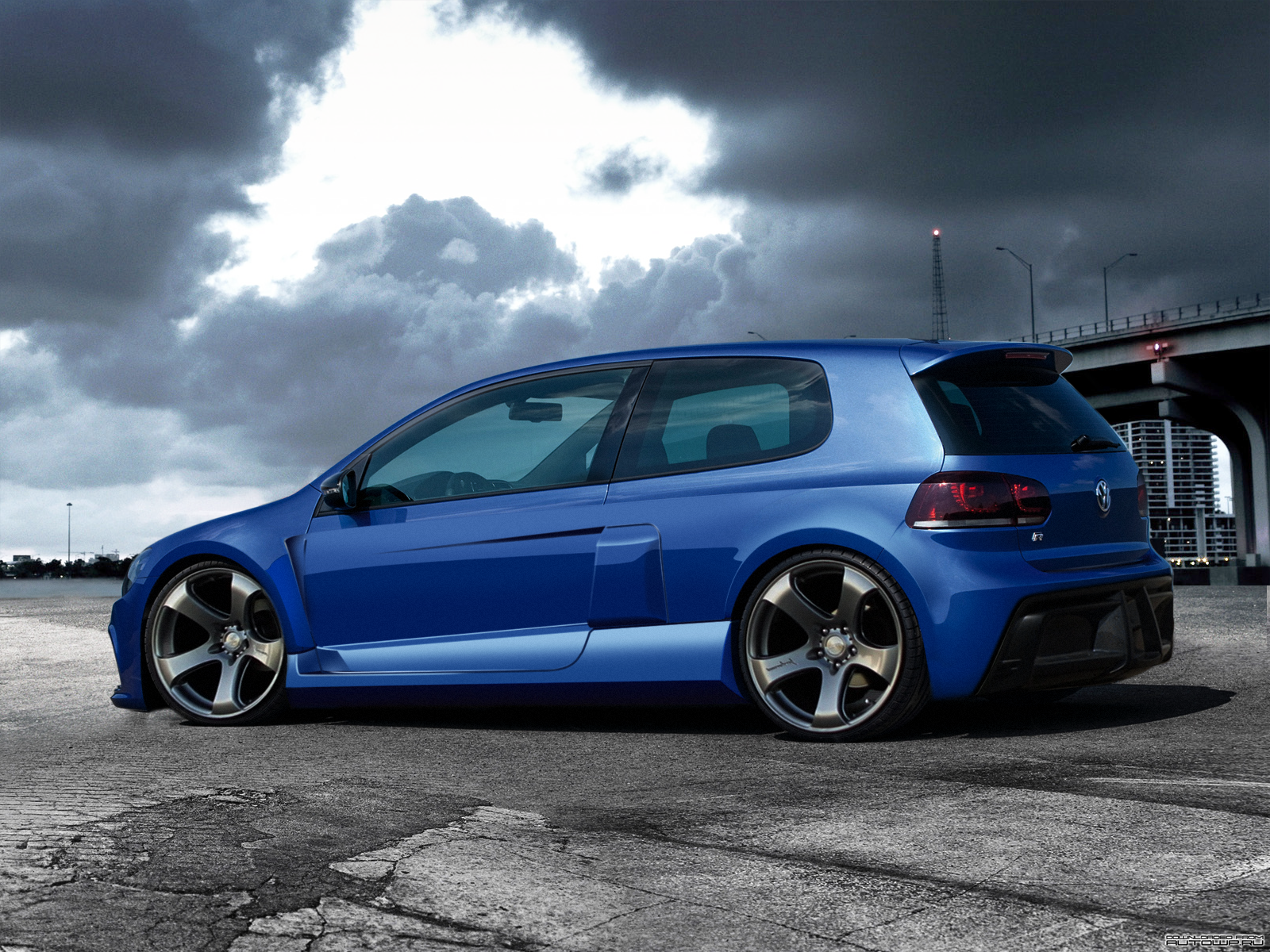 Volkswagen Golf R #18