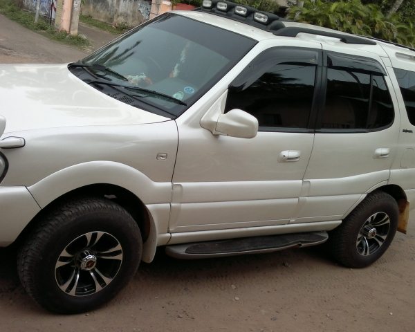 2006 Tata Safari #4