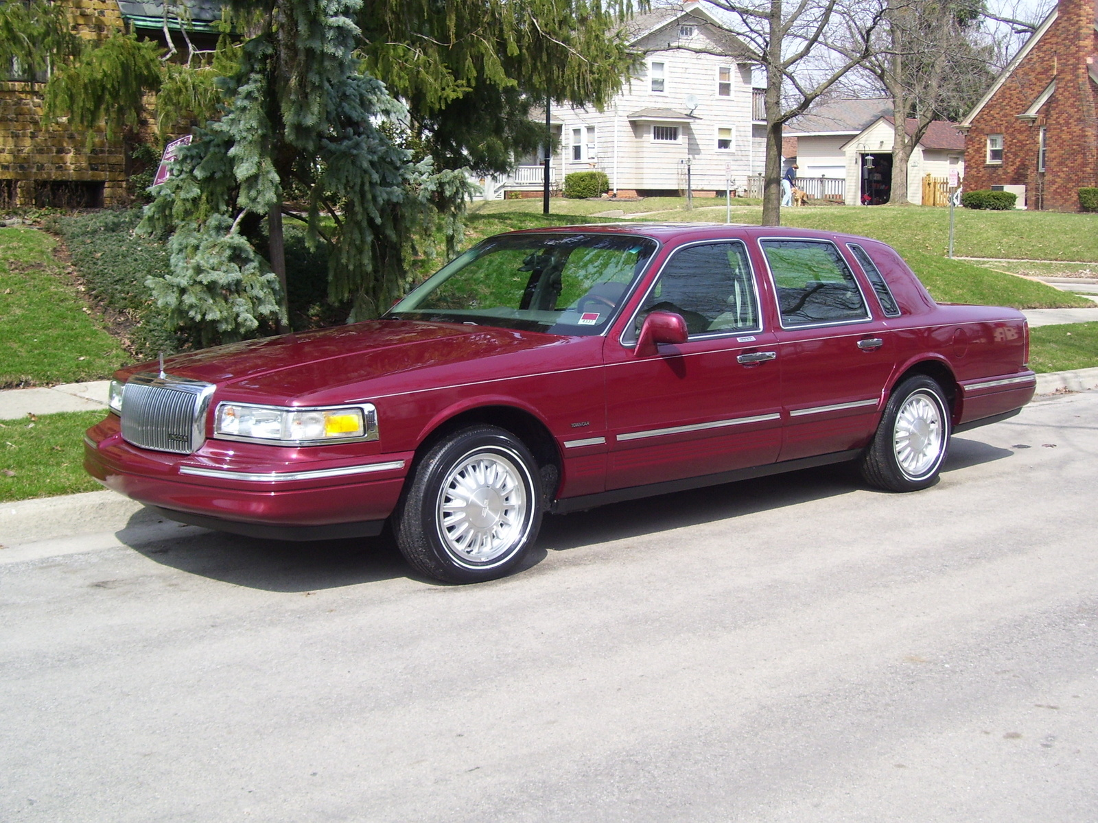 1996 Lincoln Town Car Photos Informations Articles