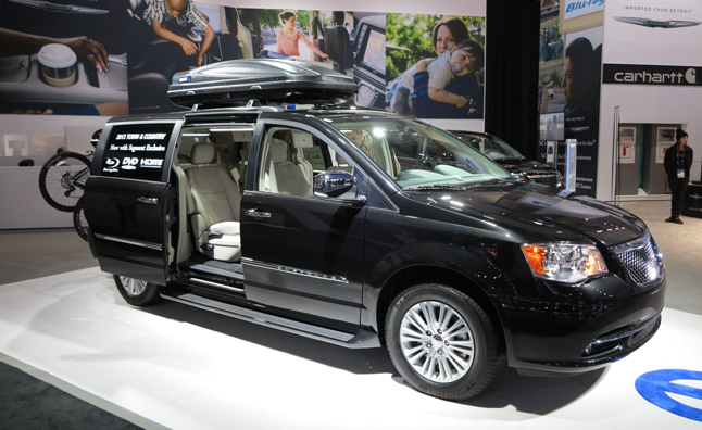 2013 Chrysler Town And Country #8
