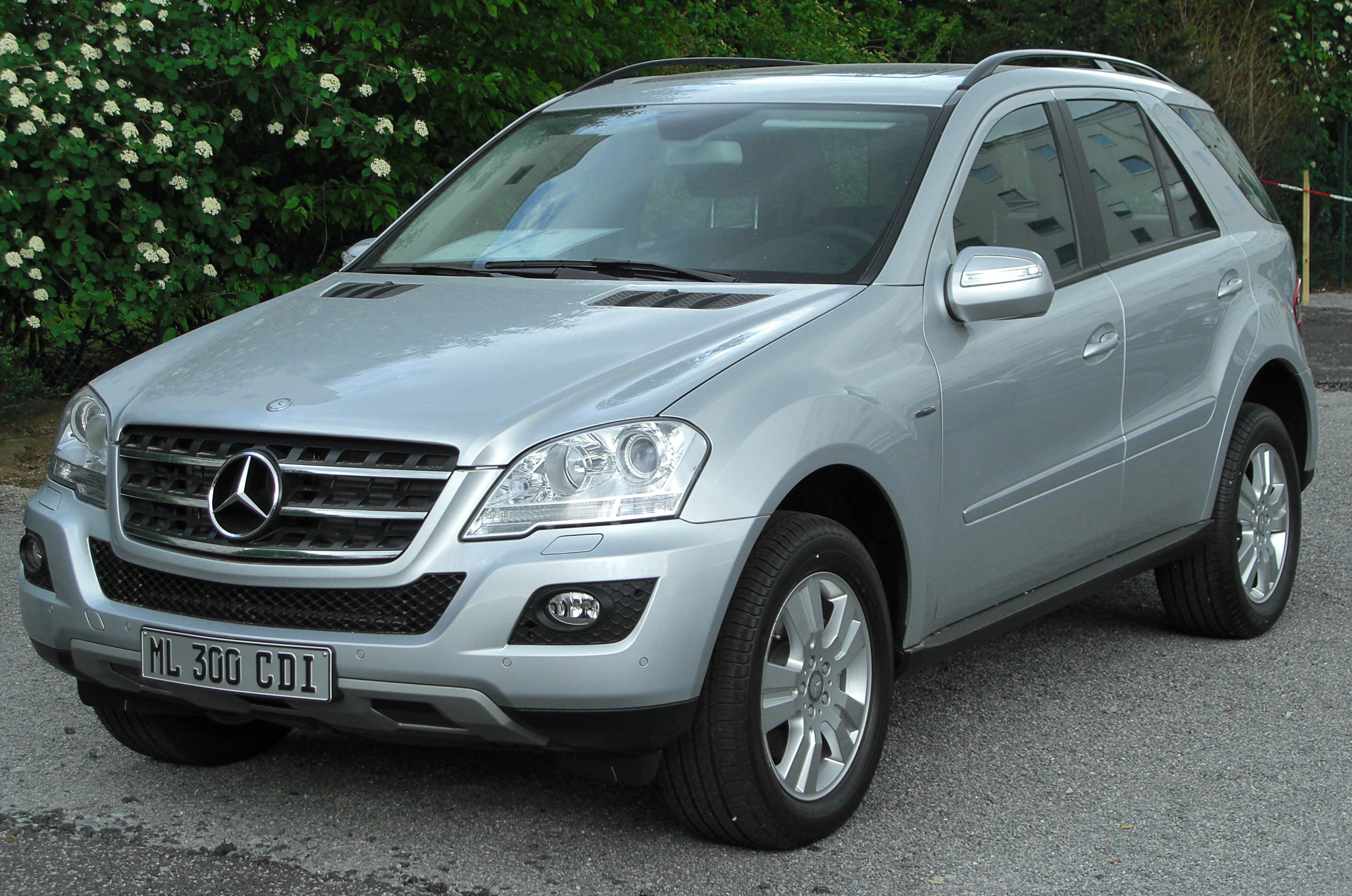 2005 Mercedes-Benz ML #2