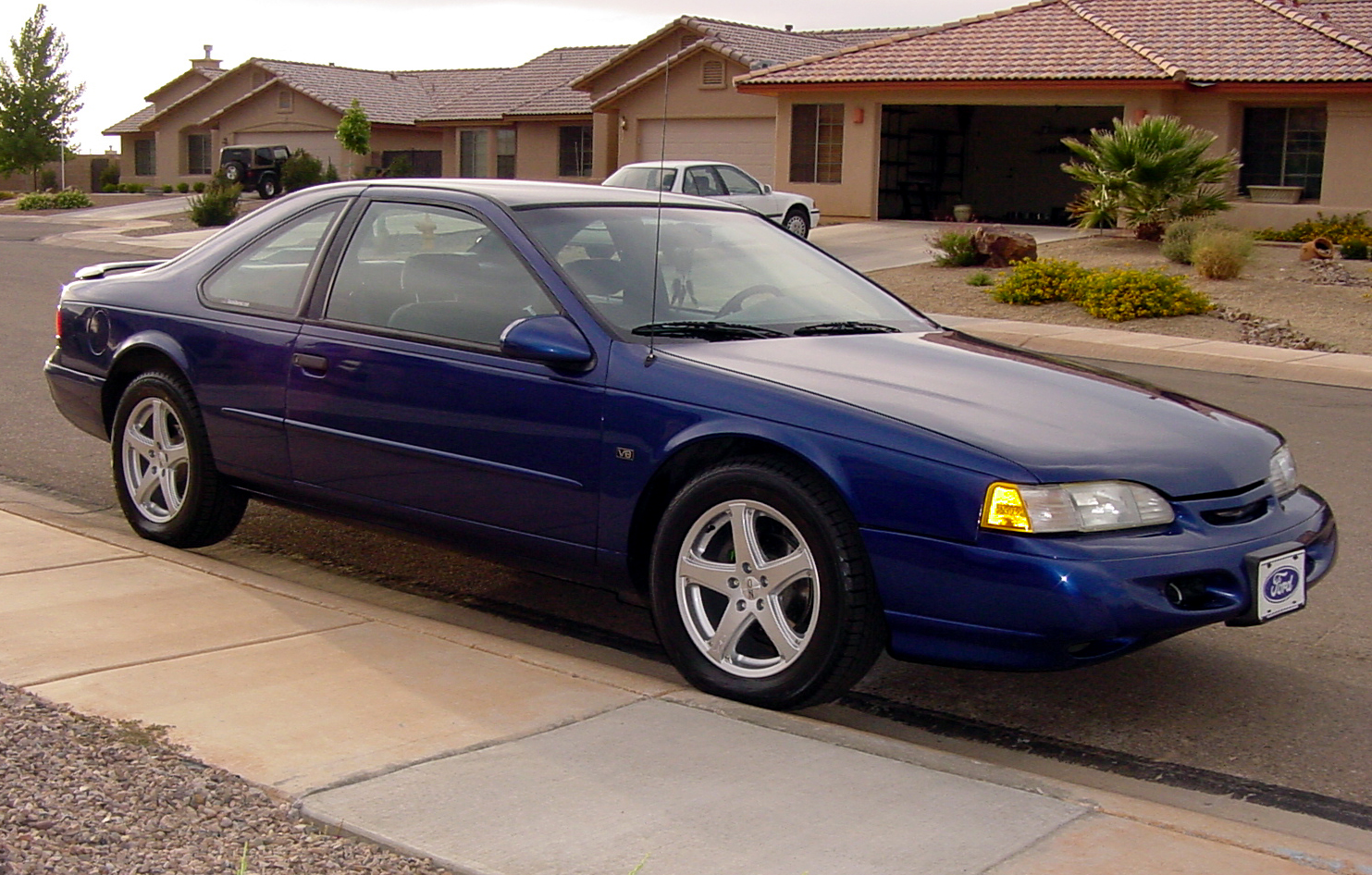 1995 Ford Thunderbird #3