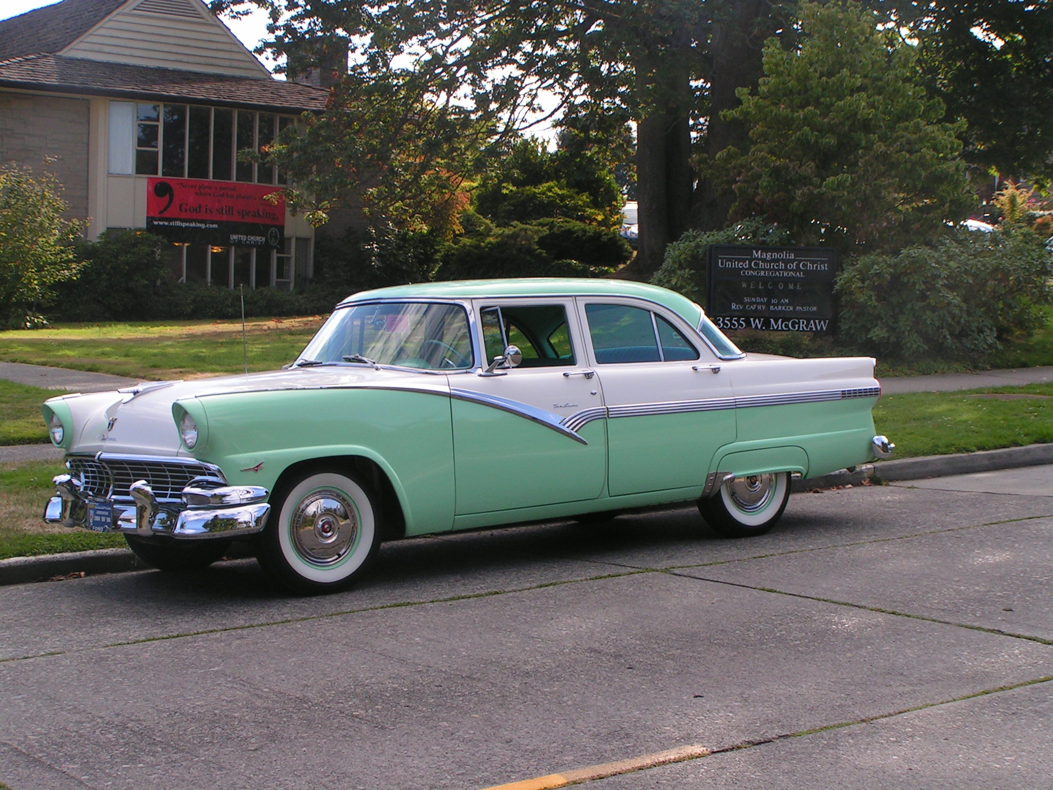 1956 ford fairlane photos informations articles for 1956 ford fairlane 4 door