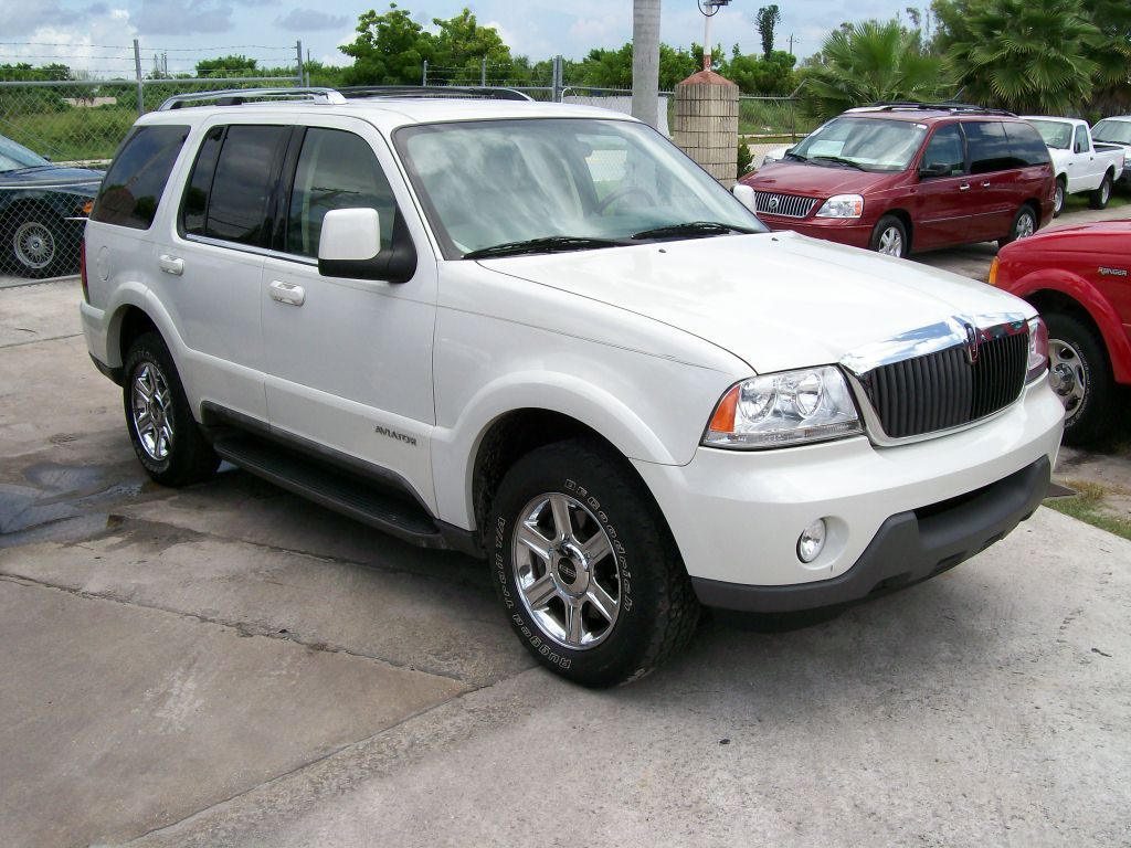 2004 Lincoln Aviator #4