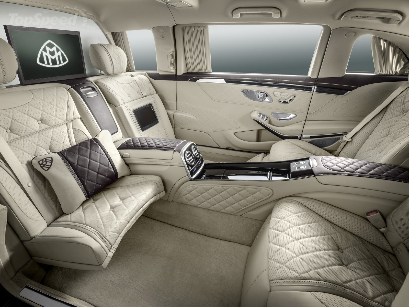 2016 Mercedes-Benz Maybach #15