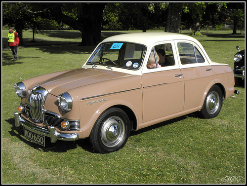 1960 Riley One-Point-Five #13