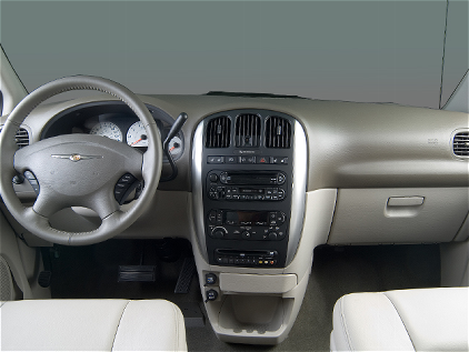 2006 Chrysler Town And Country #8