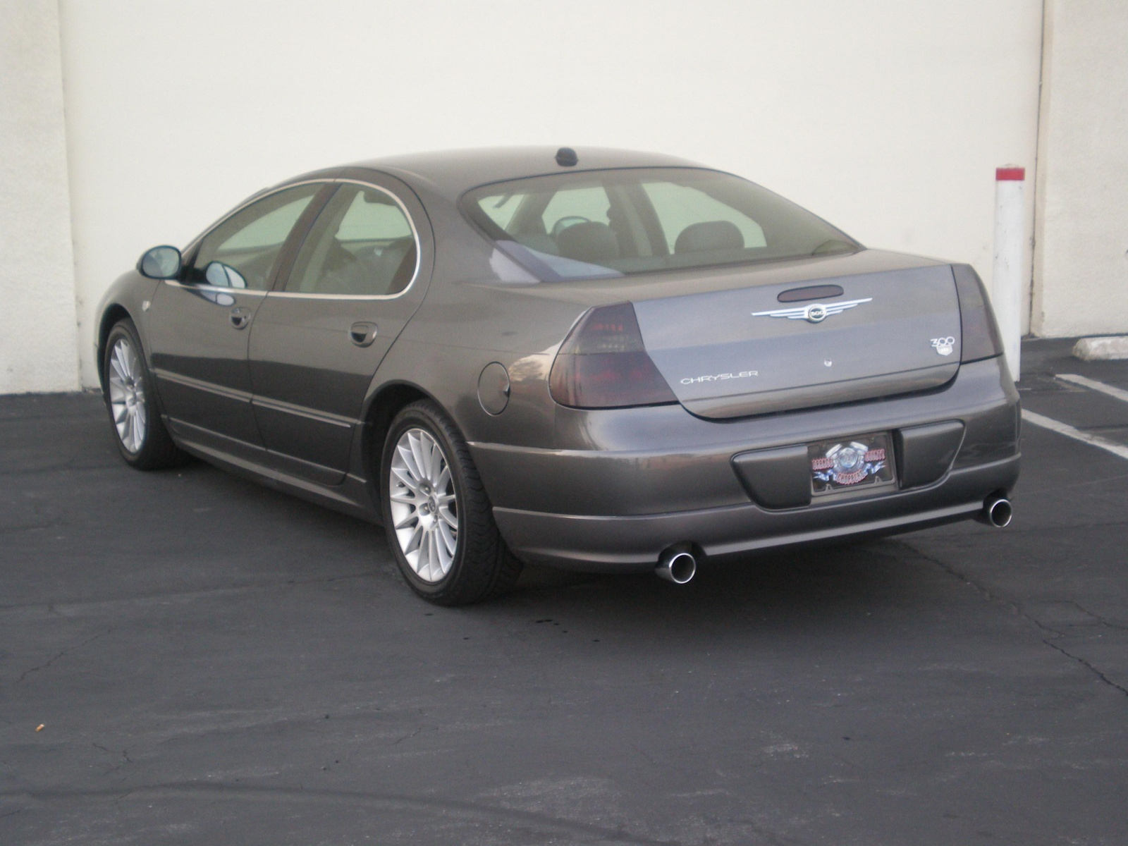 2004 Chrysler 300m #18