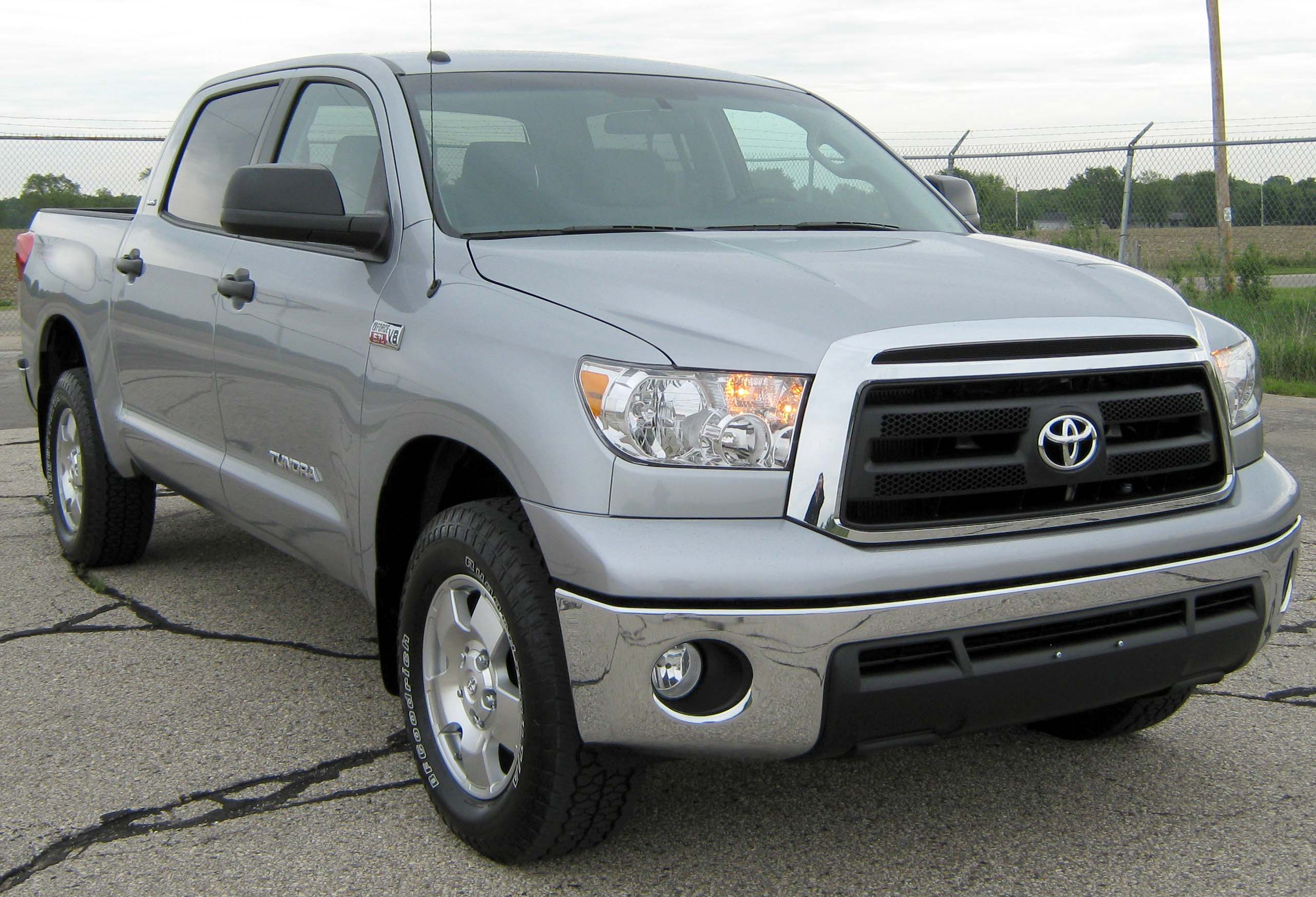 2010 toyota tundra photos informations articles. Black Bedroom Furniture Sets. Home Design Ideas