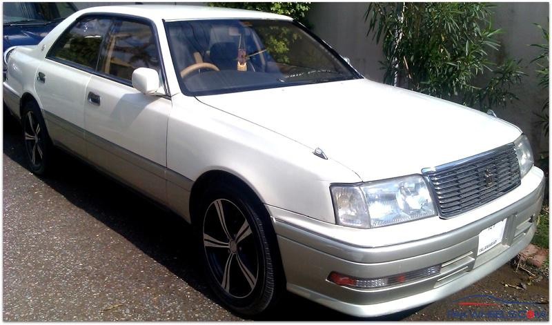 1996 Toyota Crown #9