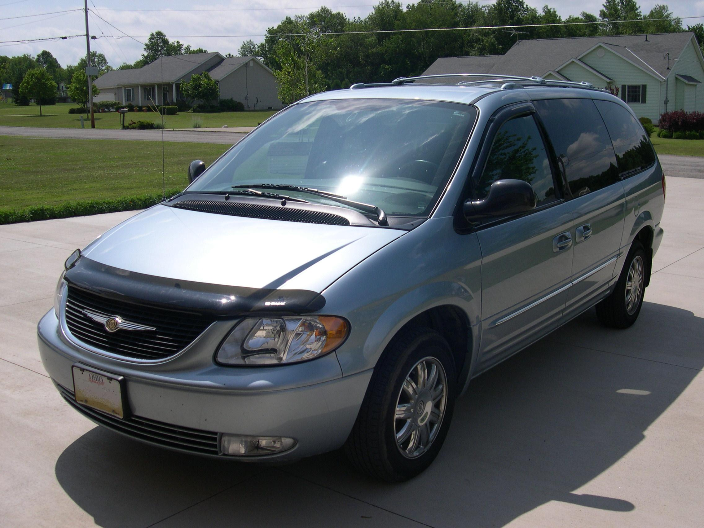 2004 Chrysler Town And Country #10