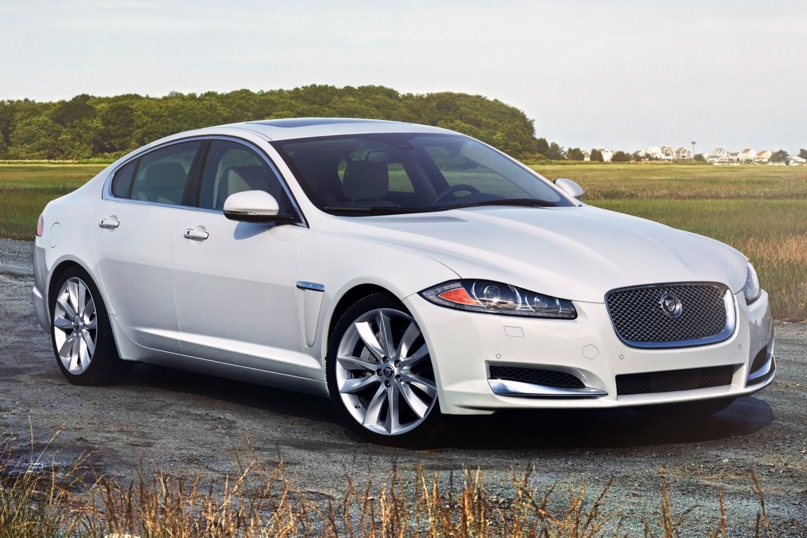 Marvelous 2015 Jaguar Xs #3